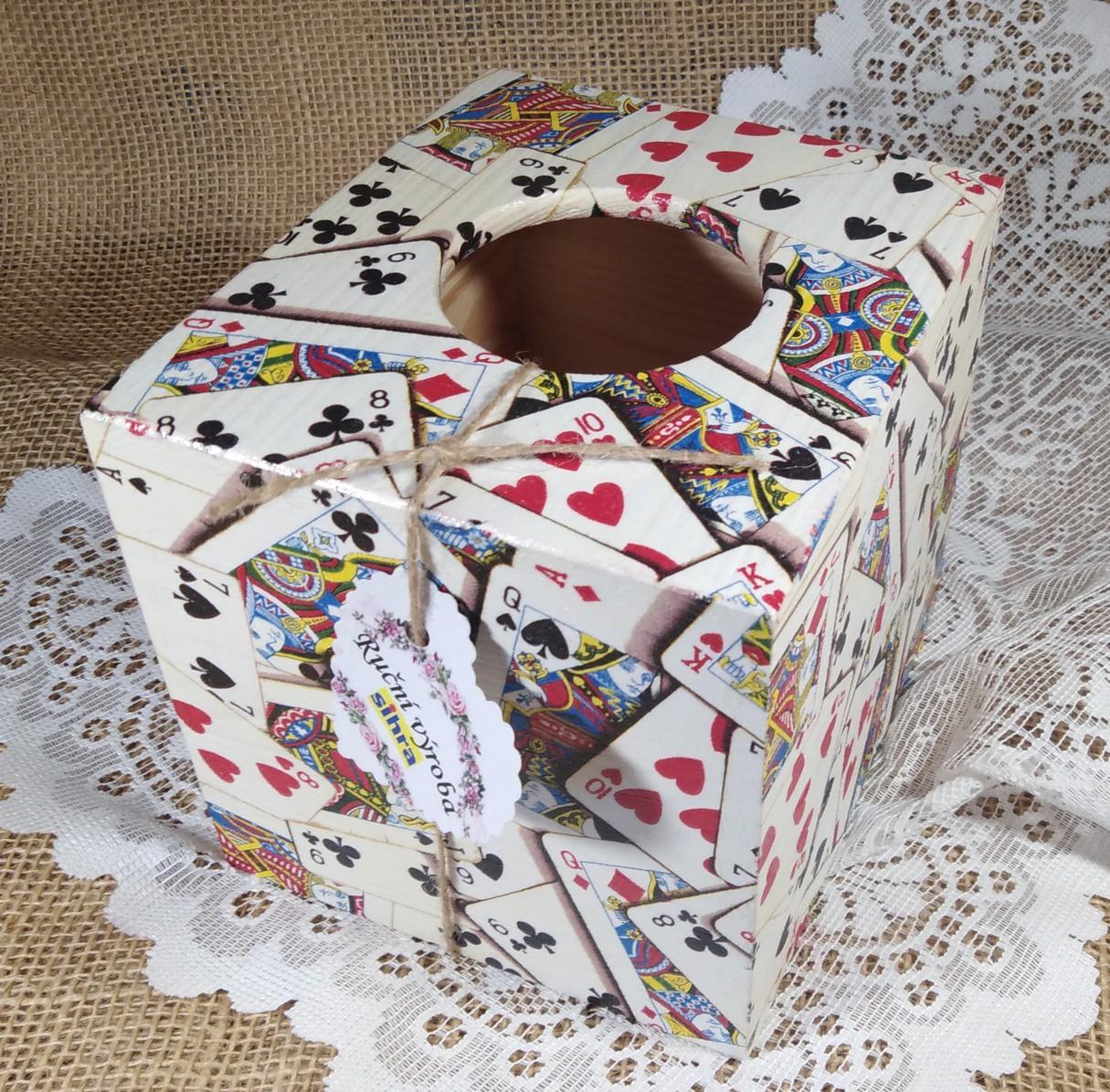Dřevěná krabička na kapesníky Karty 2